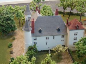 chateau servien